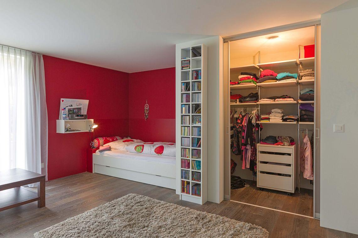 Begehbarer Kleiderschrank Mit Innenlicht Im Madchenzimmer