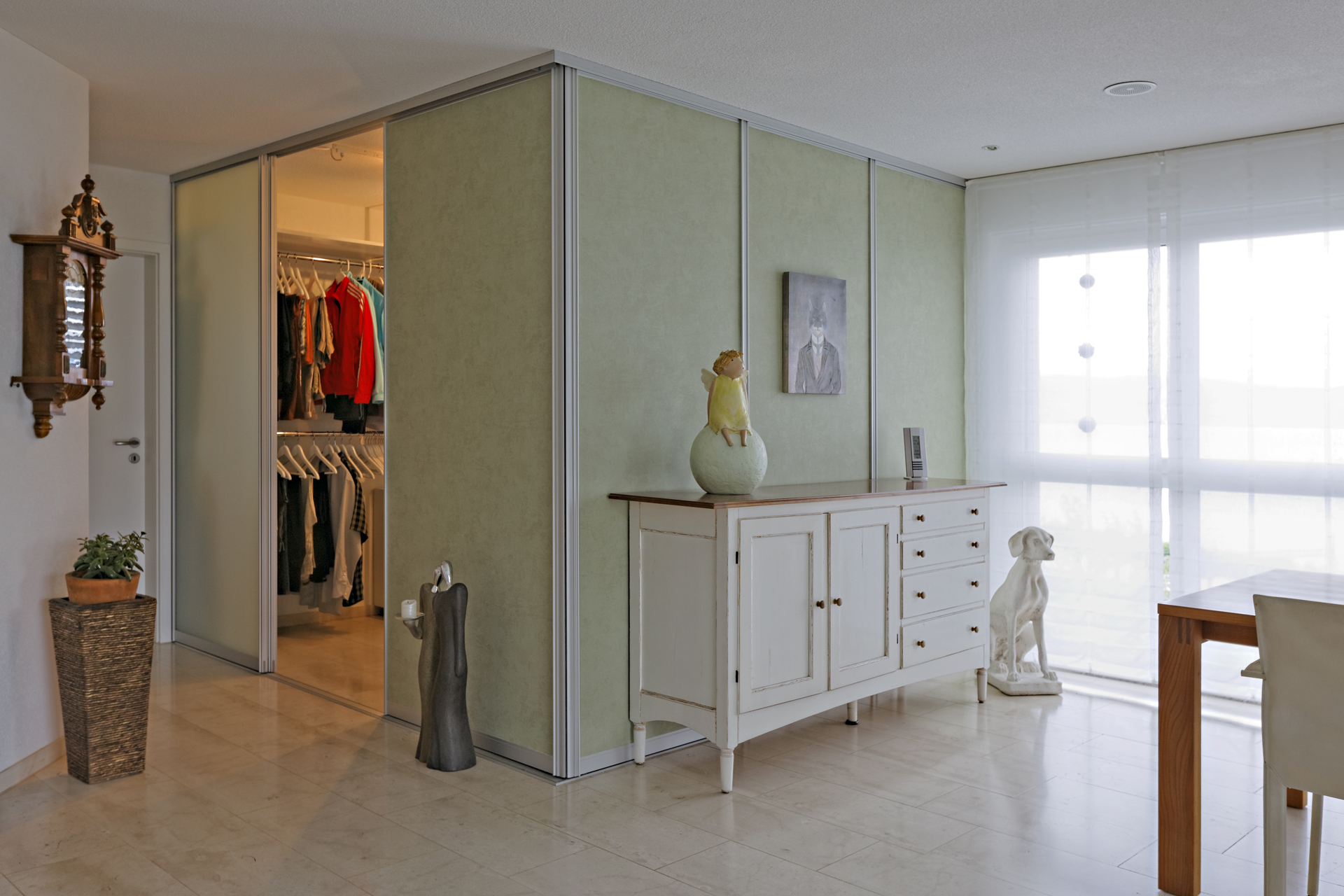 nachtr glich eingebautes ankleidezimmer in die bestehende wohnung auf zu. Black Bedroom Furniture Sets. Home Design Ideas