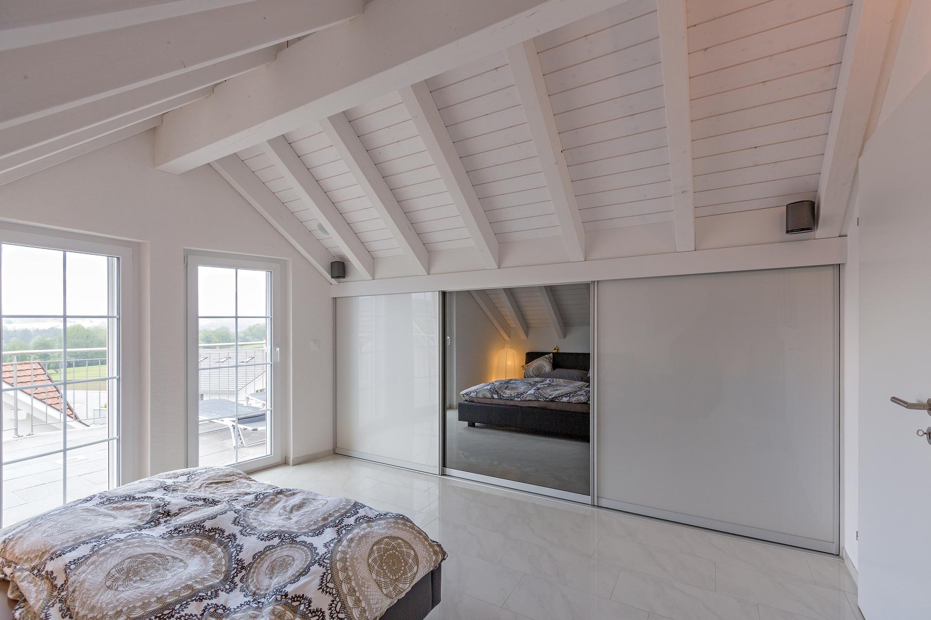Einbauschrank Für Dachschräge schrank in der dachschräge nach mass dachschrägenschrank für kleider