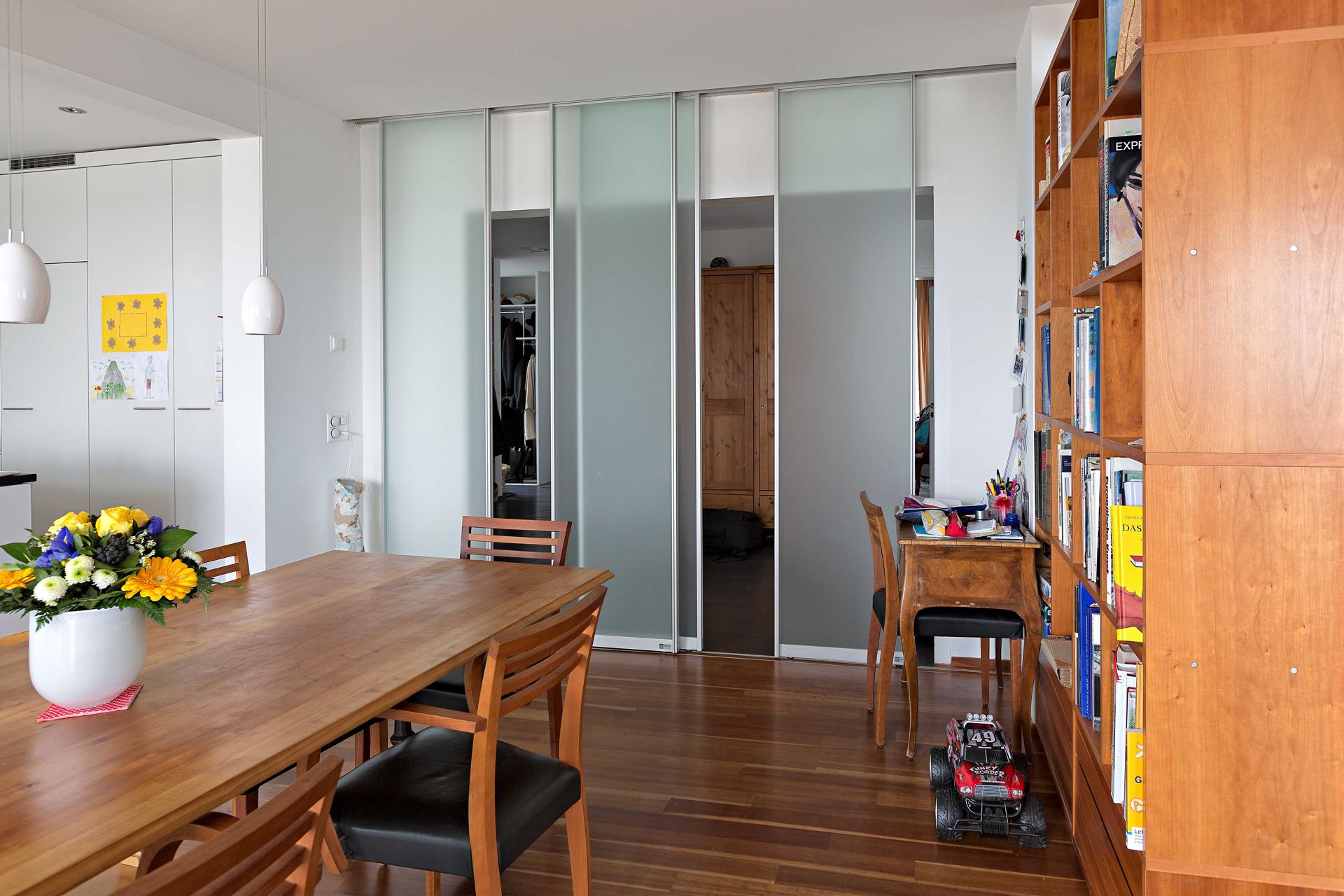 Schiebetüren Als Raumteiler raumteiler aus vier schiebetüren in glas zwischen flur und