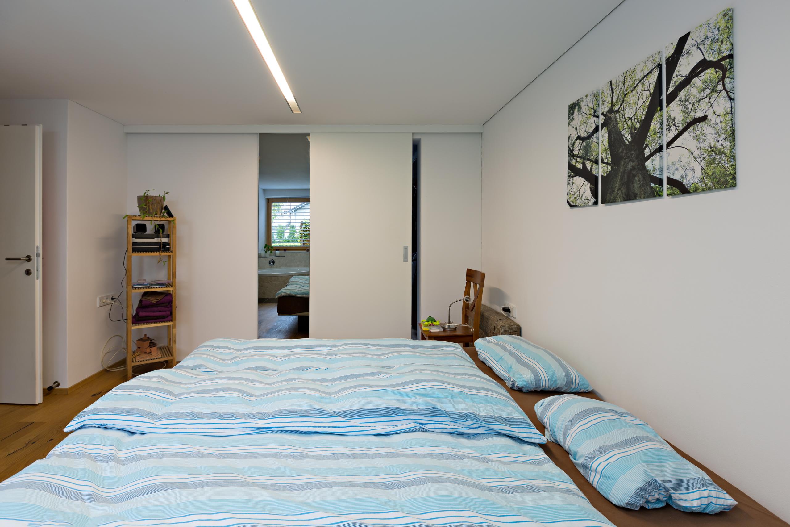GroBartig Schrankraum Begehbar Direkt Neben Dem Bett