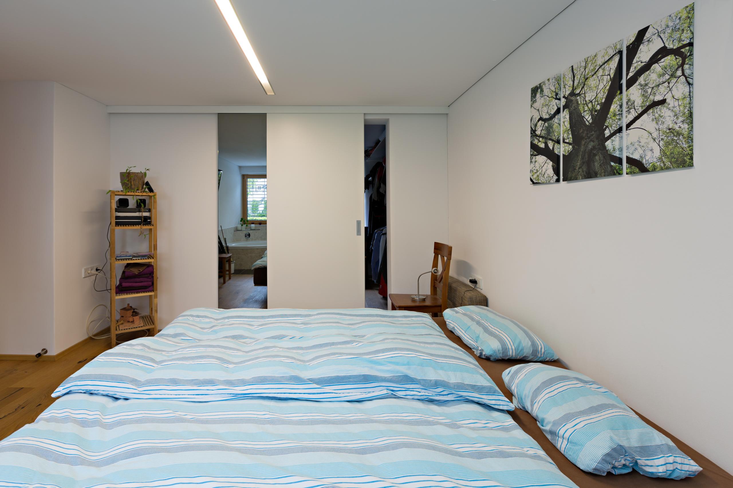 ankleideraum verkleiden und schlafzimmer. Black Bedroom Furniture Sets. Home Design Ideas
