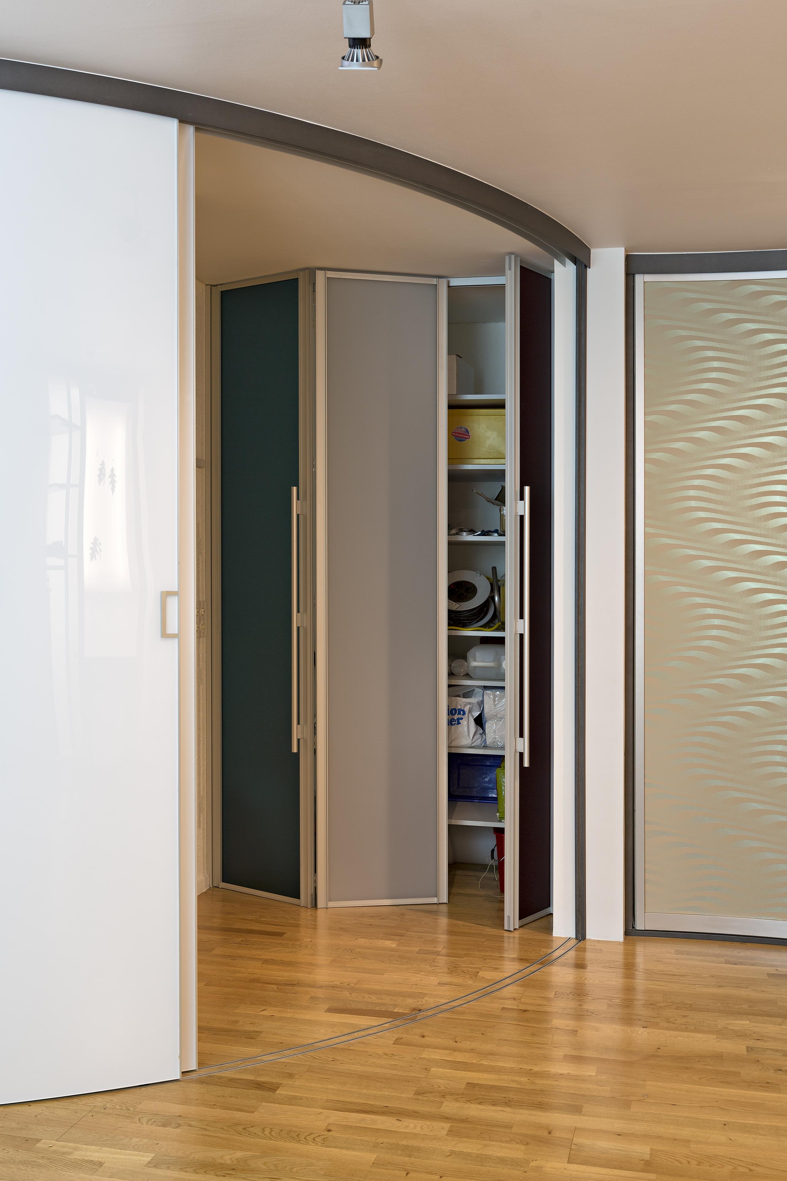 faltt ren auf zu. Black Bedroom Furniture Sets. Home Design Ideas