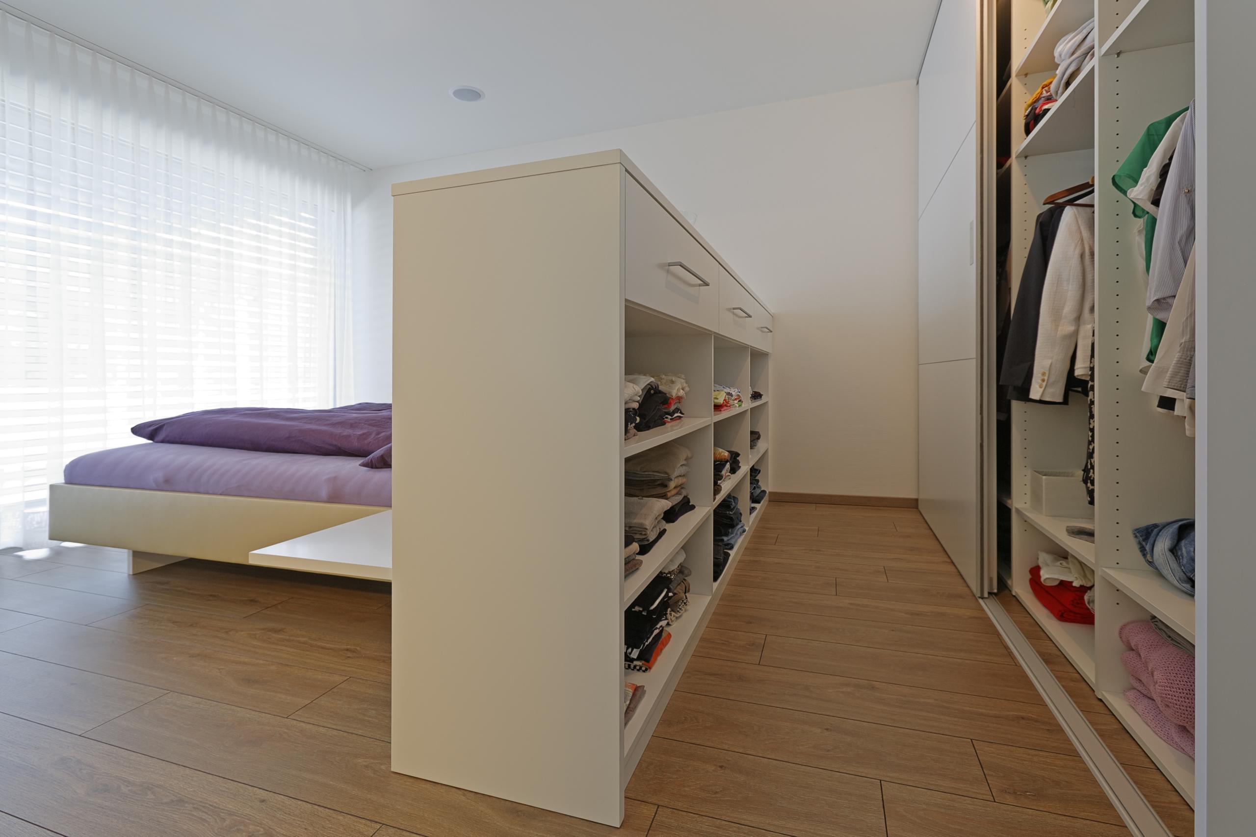 Genial Ankleide Und Schlafzimmer In Einem Raum