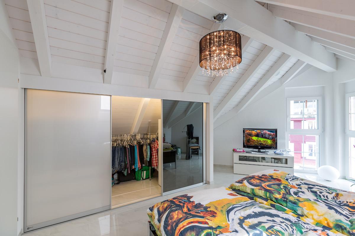 dachschraegenschrank auf zu. Black Bedroom Furniture Sets. Home Design Ideas